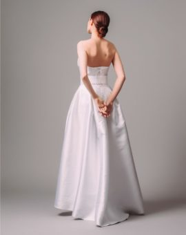 Hyra brudklänning Tatiana Kaplun Strapless Wedding Gown with Belt and Bolero